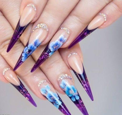 designe acryl nagels met steentjes